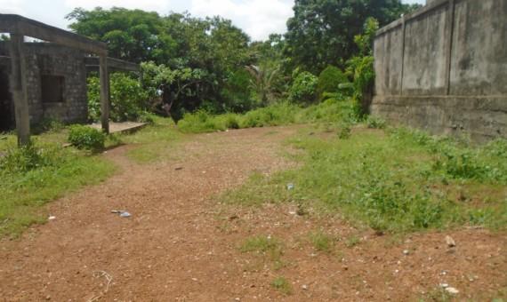 , Une parcelle dans une coure, La façon la plus simple de trouver & réserver ou acheter votre nouvelle maison